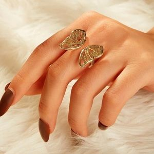 3/$30 💛 Butterfly Ring